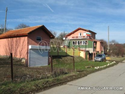 Furnished house with pool in Bulgaria front