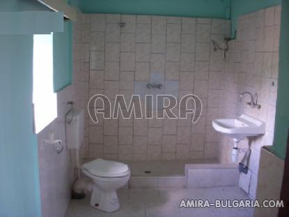 Stone house in Bulgaria 7 km from the beach bathroom