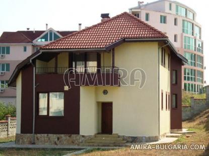Furnished house in Varna front