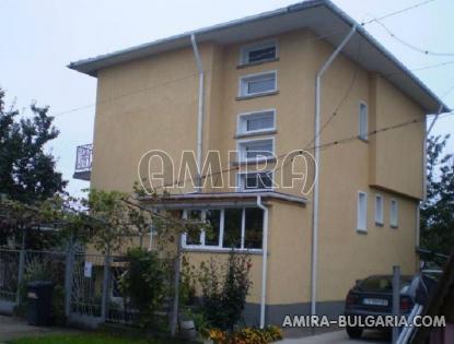 Huge town house in Bulgaria 01