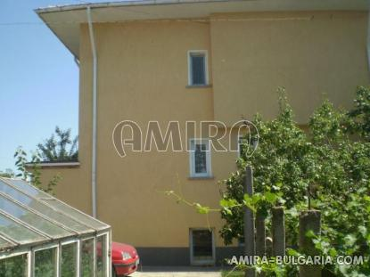 Huge town house in Bulgaria 04