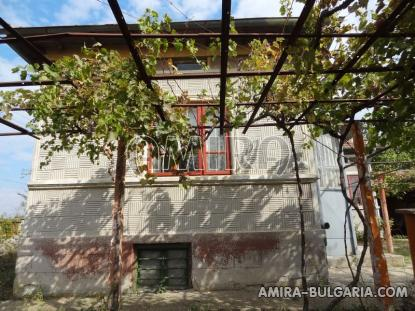 House with garage in Bulgaria 9