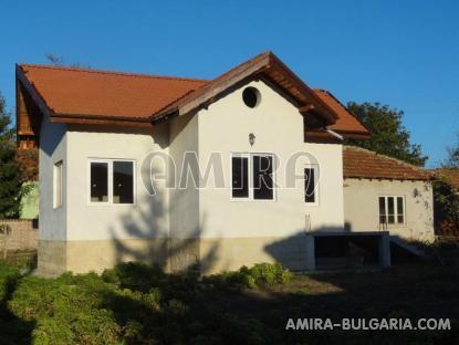 Renovated house in Bulgaria near a dam 1