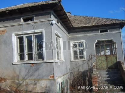 Bulgarian house with big plot 1