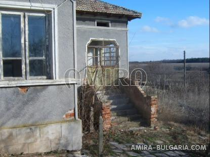 Bulgarian house with big plot 3