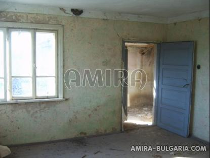 Bulgarian house with big plot 16