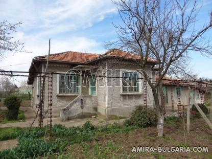 House in a big Bulgarian village 1