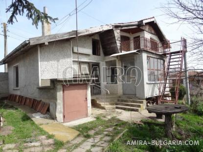 Massive house 3km from Dobrich 1