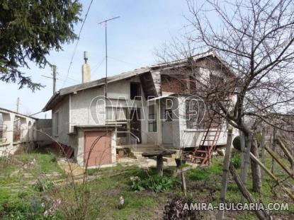 Massive house 3km from Dobrich 2