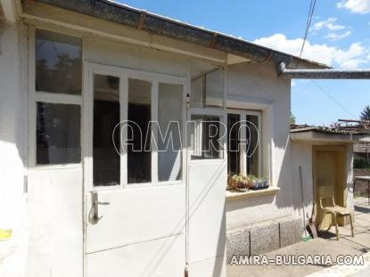 Town house with bar for sale 2