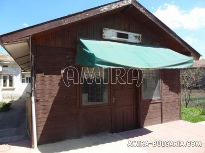 Town house with bar for sale 6