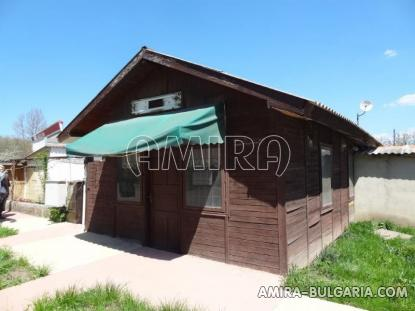 Town house with bar for sale 7