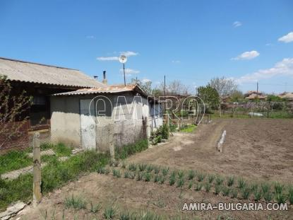 Town house with bar for sale 9