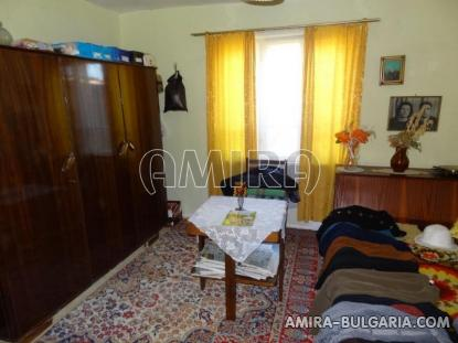 Town house with bar for sale 11