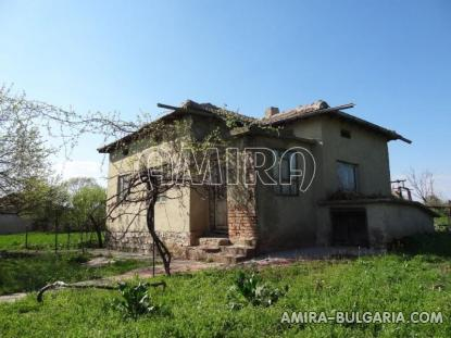 Cheap house in Bulgaria 3