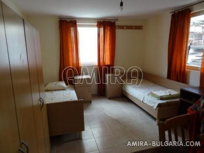 Furnished guest house in Kranevo 18