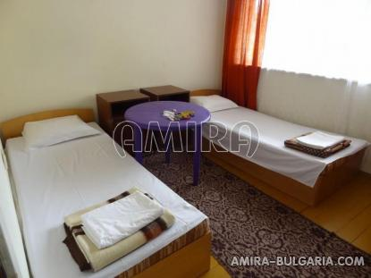 Furnished guest house in Kranevo 25