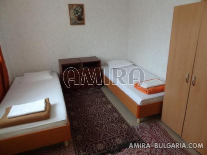 Furnished guest house in Kranevo 31