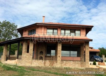 New house near Varna with lake view