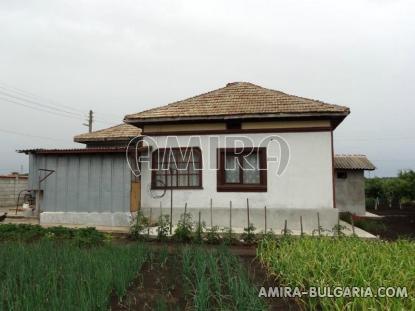Preserved house near the beach 1