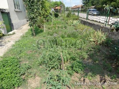Cheap house with big plot 8