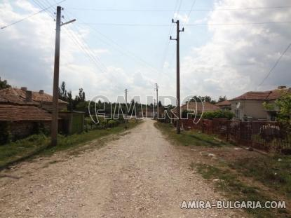 Cheap house with big plot road access