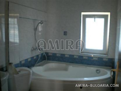 Furnished house 5km from Kamchia beach bathroom