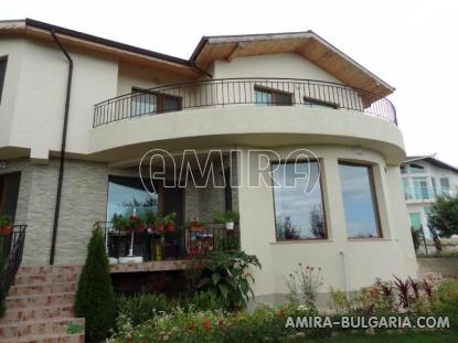 Furnished sea view villa in Varna 1