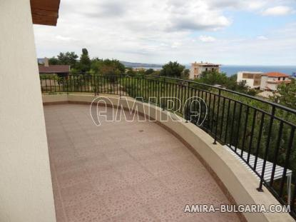 Furnished sea view villa in Varna 10