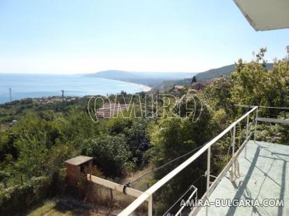 Cheap sea view house 1