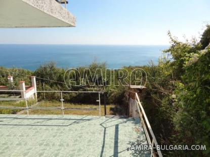 Cheap sea view house 4