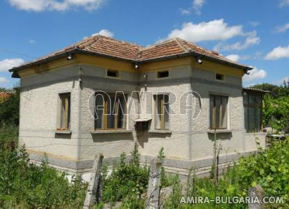 Bulgarian country house near a lake