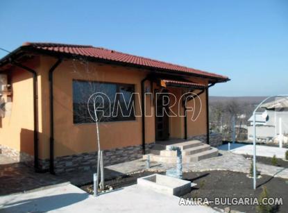Furnished bulgarian home near a dam