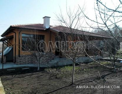 Furnished bulgarian home near a dam 3