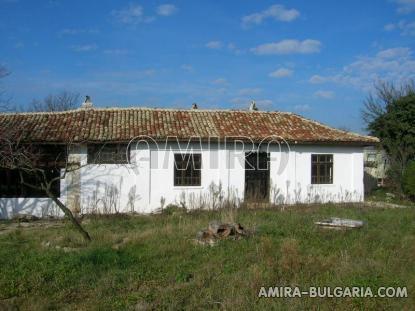 House in authentic Bulgarian style front 2