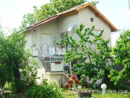 Furnished house 25 km from Varna dining area