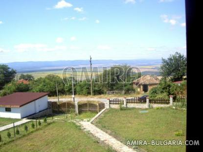 Furnished house 25 km from Varna garage