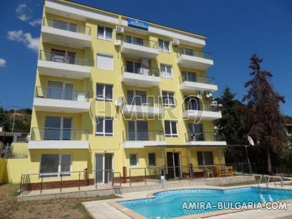 One bedroom sea view apartment in Varna 1