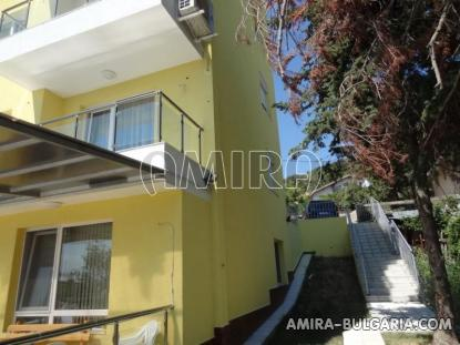 One bedroom sea view apartment in Varna 3