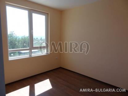 One bedroom sea view apartment in Varna 9