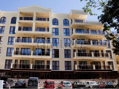 Furnished apartments in Golden Sands front