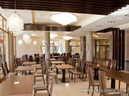 Furnished apartments in Golden Sands restaurant