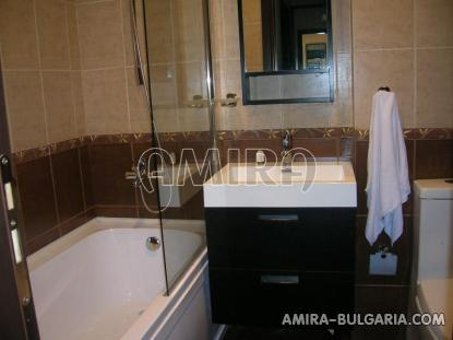 Furnished apartments in Golden Sands bathroom