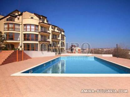 Sea view apartments in Byala pool 1
