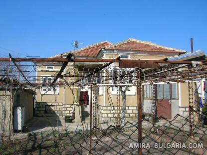 House 11 km from Dobrich Bulgaria front 2