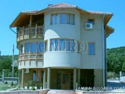 Sea view villa 5 km from Albena beach front 1