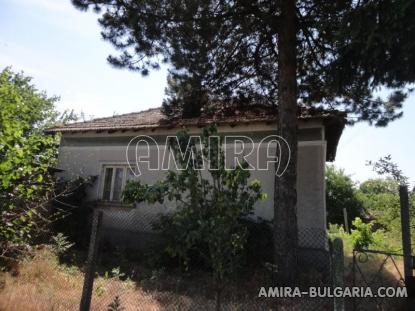 Authentic Bulgarian style house 400 m from a lake fence