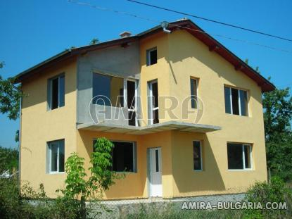 Spacious house in Bulgaria 7 km from the beach of Albena front