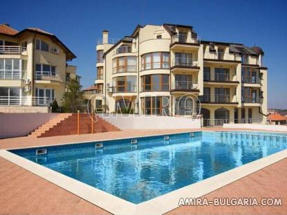Sea view apartments in Byala pool